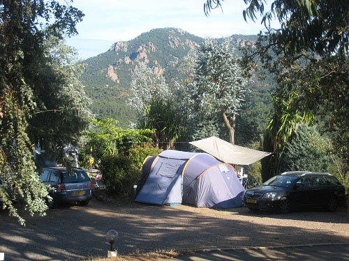 Camping les adrets de l esterel var en provence les - Camping dans le var avec piscine ...